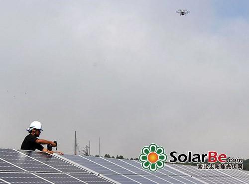 无人机检测光伏电站太阳能电池板故障 采用人造卫星领域的图像合成及