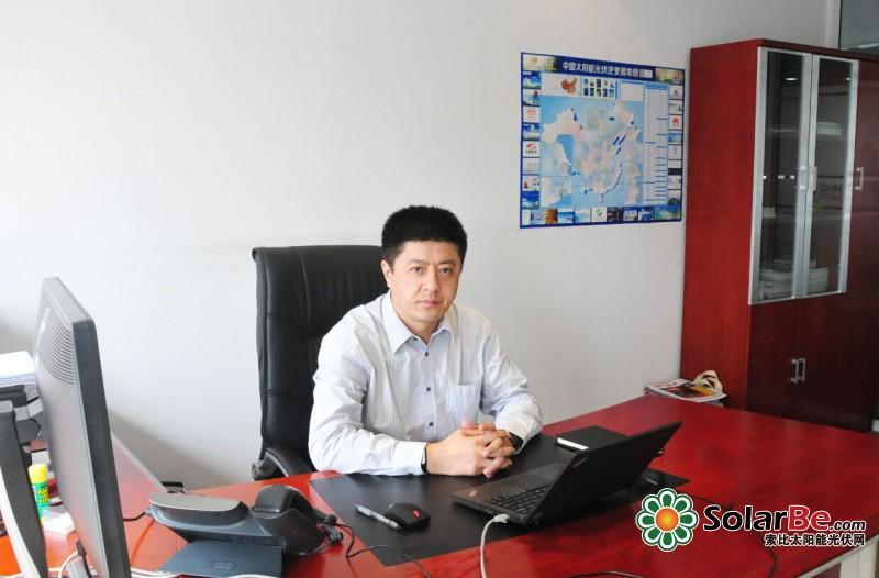 正泰电源韩甲治获光能杯2015年度光伏新锐力量大奖