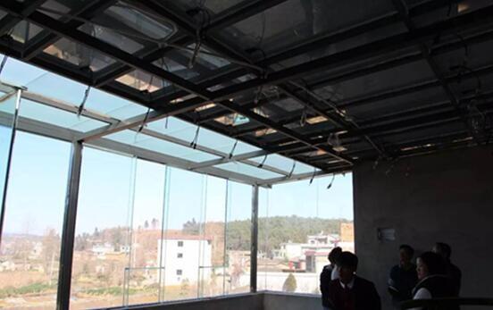 隔热效果好,可替代普通土建屋顶 图示房屋尚未进行室内装修