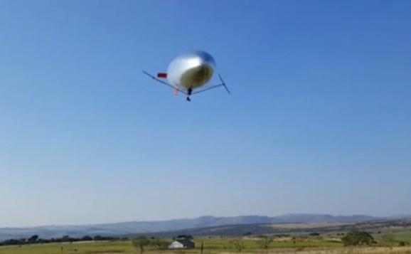 全球首架全太阳能无人飞艇试飞成功