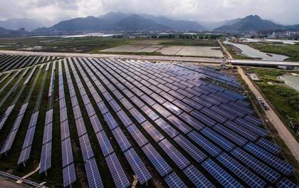 白菜网秒送体验金大全扶贫增收,海南州绿色产业发展园每年向江苏输送十亿度电