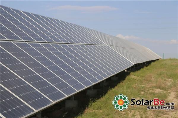 西部地区自然资源得天独厚,光伏发电增长幅度领跑全国。甘肃、新疆和青海等西部地区累计光伏电站并网容量最多,未来西部光伏发电