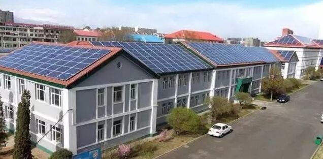 甘肃首个整村屋顶光伏全覆盖村 每户年收入8000-10000元