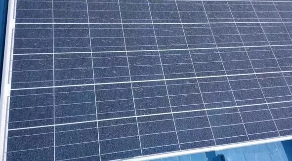 家庭光伏电站这样清理 发电收益增加10%