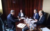 马来西亚企业家发展部部长与隆基股份总裁李振国在京交流