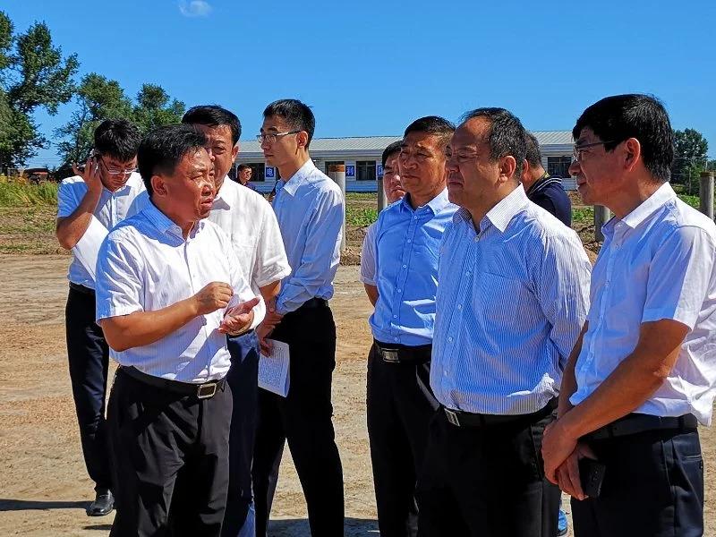 哈尔滨市委副书记、市长孙喆调研力诺电力巴彦县光伏扶贫项目