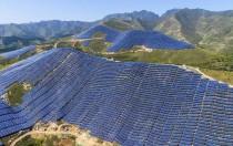 地球上最大光伏电站 绵延40公里全是光伏板!