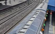 还在关注济南那条建了又拆的光伏公路?未来将遍布全球的光伏铁路了解一下