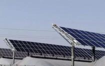 安轩机器人农光互补电站应用 加速转型升级新业态