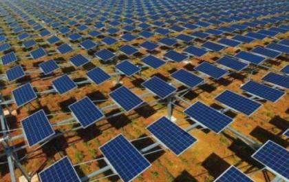 亿利洁能淘金5000亿沙漠生态财富:创新立体光伏发电模式