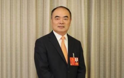 """曹仁贤代表:建议进一步降低光伏发电""""非技术成本"""""""