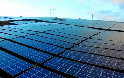 汉能集团携绿建方案参展光伏盛会