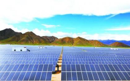 东方日升:上半年净利4.65亿–5亿元