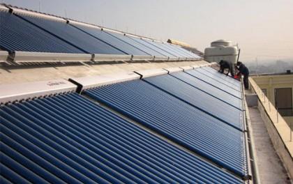 第一太阳能董事、高管净卖出3.65万股