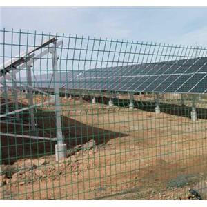 光伏电站围栏精准扶贫光伏电站围网设施-- 安平金淦金属丝网制造有限公司