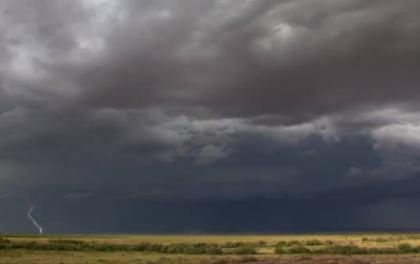 为什么阴暗多云天气不会影响太阳能光伏发电?