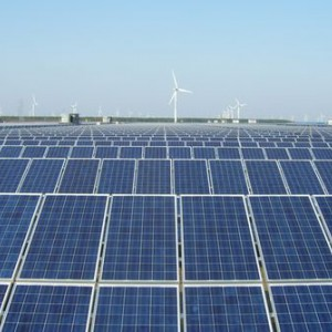 回收二手光伏发电板 新旧光伏板回收-- 江苏中成发展新能源有限公司