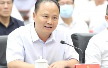 刘汉元出席成都市企业家座谈会