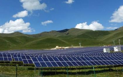 内蒙古乌兰察布:对草原上矿山风电光伏等项目限期退出