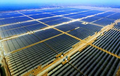 SABIC(沙特基础工业公司)打造光伏能源大型化工厂