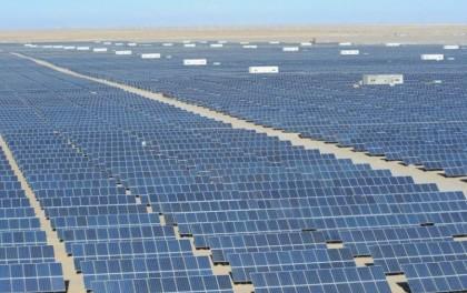 霍城:大力发展清洁能源 光伏发电助推高质量发展