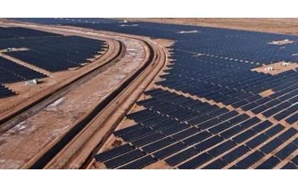 """英企打造""""最高效""""太阳能电池板 发电量可提高近1/3"""