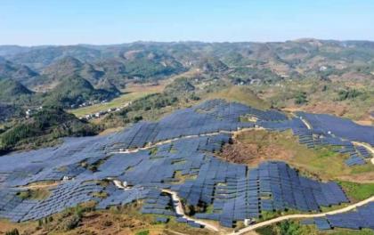 贵州义龙新区:4个农业光伏电站项目年底全部建成投运 年发电量约2.48亿度